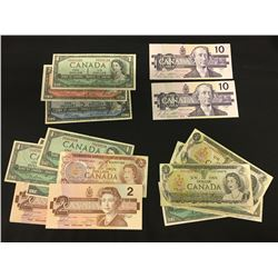 LOT OF ASSORTED AMERICAN 2 DOLLAR BILLS, AND CANADIAN 1 DOLLAR BILLS OF VARIOUS YEARS