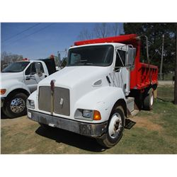 1998 KENWORTH DUMP, VIN/SN:3BKMHD7X1WF771233 - S/A, CAT 3126 ENGINE, 6 SPEED TRANS, 32,000 LB GVWR,