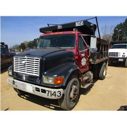 1997 INTERNATIONAL 4700 DUMP, VIN/SN:1HTSCAAN2VH491490 - S/A, IHC DIESEL ENGINE, 6 SPEED TRANS, 10'