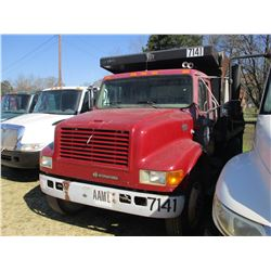 1997 INTERNATIONAL 4700 DUMP, VIN/SN:1HTSCAAN4VA491488 - S/A, IHC DIESEL ENGINE, 6 SPEED TRANS, 10'
