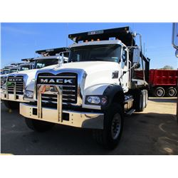 2017 MACK GU713 DUMP, VIN/SN:1M2AX07C8HM036485 - TRI-AXLE, 455 HP MACK MP8 ENGINE, ALLISON 4500 RDS
