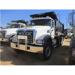 2017 MACK GU713 DUMP, VIN/SN:1M2AX07C5HM061442 - TRI-AXLE, 455 HP MACK MP8 ENGINE, ALLISON 4500 RDS