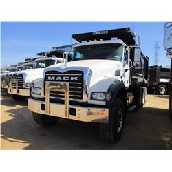 2017 MACK GU713 DUMP, VIN/SN:1M2AX07C6HM036503 - TRI-AXLE, 455 HP MACK MP8 ENGINE, ALLISON 4500 RDS