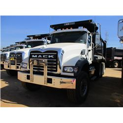 2017 MACK GU713 DUMP, VIN/SN:1M2AX07C6HM036596 - TRI-AXLE, 455 HP MACK MP8 ENGINE, ALLISON 4500 RDS