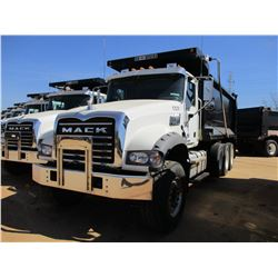 2017 MACK GU713 DUMP, VIN/SN:1M2AX07C3HM036488 - TRI-AXLE, 455 HP MACK MP8 ENGINE, ALLISON 4500 RDS