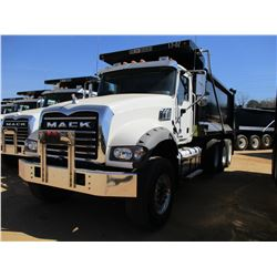 2017 MACK GU713 DUMP, VIN/SN:1M2AX07C8HM036602 - TRI-AXLE, 455 HP MACK MP8 ENGINE, ALLISON 4500 RDS