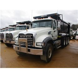 2018 MACK GU713 DUMP, VIN/SN:1M2AX07C7JM037097 - TRI-AXLE, 455 HP MACK MP8 ENGINE, MACK T310M 10 SPE