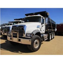 2018 MACK GU713 DUMP, VIN/SN:1M2AX07C3JM037095 - TRI-AXLE, 455 HP MACK MP8 ENGINE, MACK T310M 10 SPE