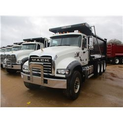 2018 MACK GU713 DUMP, VIN/SN:1M2AX07C0JM037104 - TRI-AXLE, 455 HP MACK MP8 ENGINE, MACK T310M 10 SPE