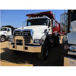 2017 MACK GU713 DUMP, VIN/SN:1M2AX07C4HM036578 - TRI-AXLE, 455 HP MACK MP8 ENGINE, ALLISON 4500 RDS