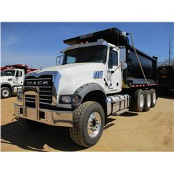 2017 MACK GU713 DUMP, VIN/SN:1M2AX07C9HM036544 - TRI-AXLE, 455 HP MACK MP8 ENGINE, ALLISON 4500 RDS