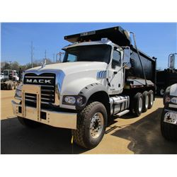 2017 MACK GU713 DUMP, VIN/SN:1M2AX07C3HM061441 - TRI-AXLE, 455 HP MACK MP8 ENGINE, ALLISON 4500 RDS