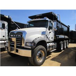2017 MACK GU713 DUMP, VIN/SN:1M2AX07C3HM036572 - TRI-AXLE, 455 HP MACK MP8 ENGINE, ALLISON 4500 RDS
