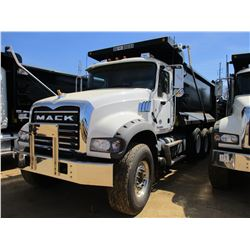 2018 MACK GU713 DUMP, VIN/SN:1M2AX07C3JM037100 -TRI-AXLE, 455 HP MACK MP8 ENGINE, MACK T310M 10 SPEE