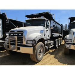 2018 MACK GU713 DUMP, VIN/SN:1M2AX07C1JM037094 -TRI-AXLE, 455 HP MACK MP8 ENGINE, MACK T310M 10 SPEE