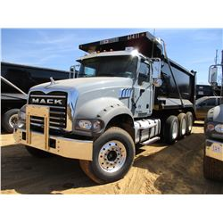 2017 MACK GU713 DUMP, VIN/SN:1M2AX07C5HM061411 - TRI-AXLE, 455 HP MACK MP8 ENGINE, ALLISON 4500 RDS