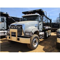 2017 MACK GU713 DUMP, VIN/SN:1M2AX07C1HM061423 - TRI-AXLE, 455 HP MACK MP8 ENGINE, ALLISON 4500 RDS