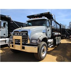 2017 MACK GU713 DUMP, VIN/SN:1M2AX07C6HN061420 - TRI-AXLE, 455 HP MACK MP8 ENGINE, ALLISON 4500 RDS