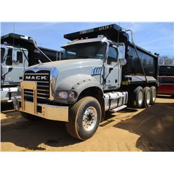 2017 MACK GU713 DUMP, VIN/SN:1M2AX07C3HM061424 - TRI-AXLE, 455 HP MACK MP8 ENGINE, ALLISON 4500 RDS
