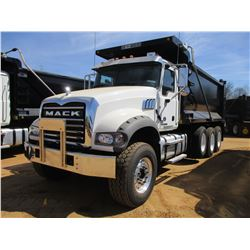 2017 MACK GU713 DUMP, VIN/SN:1M2AX07C1HM036568 - TRI-AXLE, 455 HP MACK MP8 ENGINE, ALLISON 4500 RDS