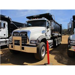 2017 MACK GU713 DUMP, VIN/SN:1M2AX07C0HM061431 - TRI-AXLE, 455 HP MACK MP8 ENGINE, ALLISON 4500 RDS