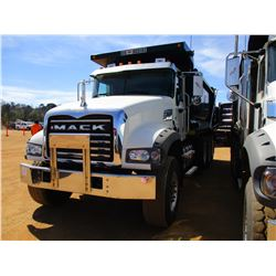 2017 MACK GU713 DUMP, VIN/SN:1M2AX07C0HM061414 - TRI-AXLE, 455 HP MACK MP8 ENGINE, ALLISON 4500 RDS