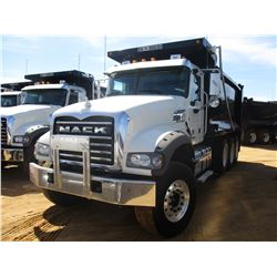2017 MACK GU713 DUMP, VIN/SN:1M2AX07C3HM036569 - TRI-AXLE, 455 HP MACK MP8 ENGINE, ALLISON 4500 RDS
