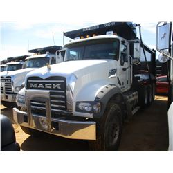 2018 MACK GU713 DUMP, VIN/SN:1M2AX07C8JM037092 - TRI-AXLE, 455 HP MACK MP8 ENGINE, MACK T310M 10 SPE