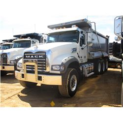 2018 MACK GU713 DUMP, VIN/SN:1M2AX07C8JM037626 - TRI-AXLE, 455 HP MACK MP8 ENGINE, MACK T310M 10 SPE
