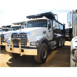 2018 MACK GU713 DUMP, VIN/SN:1M2AX07C9JM037103 - TRI-AXLE, 455 HP MACK MP8 ENGINE, MACK T310M 10 SPE