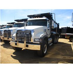 2017 MACK GU713 DUMP, VIN/SN:1M2AX07C9HM061427 - TRI-AXLE, 455 HP MACK MP8 ENGINE, ALLISON 4500 RDS