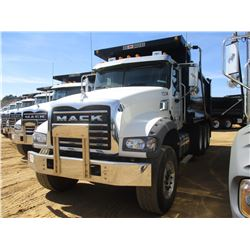 2017 MACK GU713 DUMP, VIN/SN:1M2AX07C8HM036504 - TRI-AXLE, 455 HP MACK MP8 ENGINE, ALLISON 4500 RDS