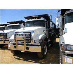 2017 MACK GU713 DUMP, VIN/SN:1M2AX07C1HM061440 - TRI-AXLE, 455 HP MACK MP8 ENGINE, ALLISON 4500 RDS