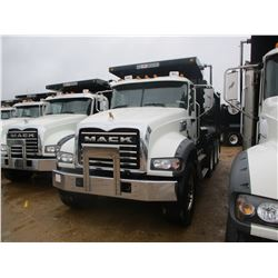 2018 MACK GU713 DUMP, VIN/SN:1M2AX07C9JM037098 - TRI-AXLE, 455 HP MACK MP8 ENGINE, MACK T310M 10 SPE