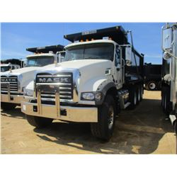 2018 MACK GU713 DUMP, VIN/SN:1M2AX07C8JM037111 - TRI-AXLE, 455 HP MACK MP8 ENGINE, MACK T310M 10 SPE