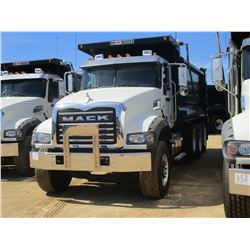 2017 MACK GU713 DUMP, VIN/SN:1M2AX07C6HM036551 - TRI-AXLE, 455 HP MACK MP8 ENGINE, ALLISON 4500 RDS