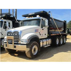 2017 MACK GU713 DUMP, VIN/SN:1M2AX07CXHM061436 - TRI-AXLE, 455 HP MACK MP8 ENGINE, ALLISON 4500 RDS