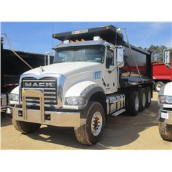 2017 MACK GU713 DUMP, VIN/SN:1M2AX07C2HM061429 - TRI-AXLE, 455 HP MACK MP8 ENGINE, ALLISON 4500 RDS