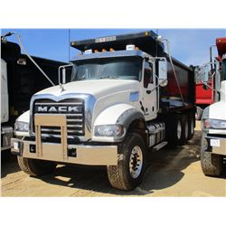 2017 MACK GU713 DUMP, VIN/SN:1M2AX07C4HM036502 - TRI-AXLE, 455 HP MACK MP8 ENGINE, ALLISON 4500 RDS