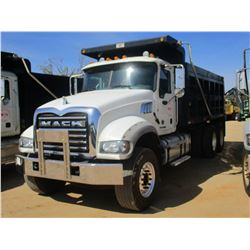 2015 MACK GU713 DUMP, VIN/SN:1M2AX09C2FM021281 - T/A, 425 HP MACK MP8 ENGINE, ALLISON A/T, 44K REARS