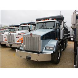 2006 KENWORTH T800 DUMP, VIN/SN:2NKDXUEX46M152092 -TRI-AXLE, CAT DIESEL ENGINE, A/T, 46K REAR, 18K F