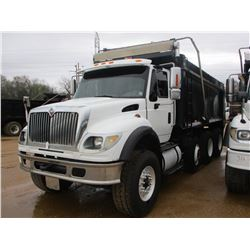 2005 INTERNATIONAL 7600 DUMP, VIN/SN:1HTWYAHT35J132105 - TRI-AXLE, CUMMINS DIESEL ENGINE, ALLISON A/
