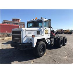 1988 INTERNATIONAL 5070 TRUCK TRACTOR, VIN/SN:5790 - T/A, 6X4, HEAVY HAUL, CUMMINS DIESEL ENGINE, 18