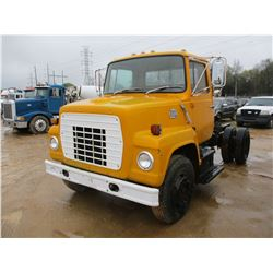 1982 FORD 700 TRUCK TRACTOR, VIN/SN:1FDWN70H3CVA18649 - S/A, FORD GAS ENGINE, 5 SPEED TRANS, 9.00-20