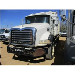 2010 MACK GU813 GARBAGE TRUCK, VIN/SN:1M2AX13C7AM010249 -T/A, 320 HP MACK MP7 DIESEL ENGINE, ALLISON