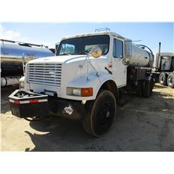 1992 INTERNATIONAL 4700 ASPHALT DISTRIBUTOR, VIN/SN:1HTJSCPV7NH431220 - S/A, IHC DIESEL ENGINE, 5 SP