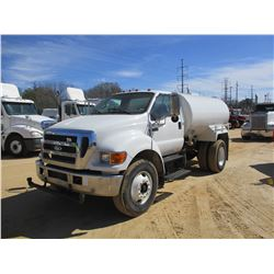 2006 INTERNATIONAL 8600 WATER TRUCK, VIN/SN:1HSHXAHR06J353260 - T/A, CUMMINS DIESEL ENGINE, 10 SPEED