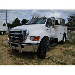 2005 FORD F750 SERVICE TRUCK, VIN/SN:3FRWF75S95B203188 - S/A, CAT DIESEL ENGINE, 6 SPEED TRANS, TOOL