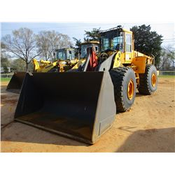 2006 VOLVO L220E WHEEL LOADER, VIN/SN:V4329 - CHIP BUCKET, AUX HYD, ECAB W/AIR, 29.5R25 TIRES, METER