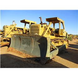 CAT D8K CRAWLER TRACTOR, VIN/SN:77V6267 - ANGLE BLADE, SPACER PLATE, MULTI SHANK RIPPER, CANOPY (MIL